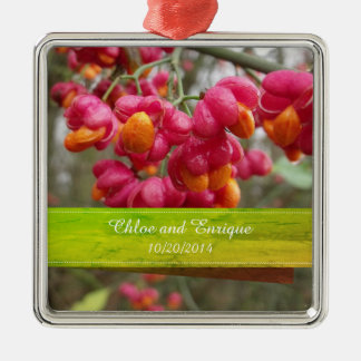 Ornement Carré Argenté Mariage personnalisé par fleurs roses de fruit