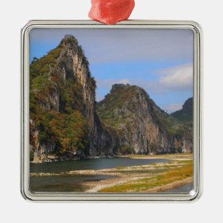 Ornement Carré Argenté Montagnes le long de rivière de Li, Chine
