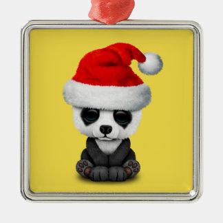 Ornement Carré Argenté Ours panda de bébé utilisant un casquette de Père