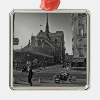 Ornement Carré Argenté Paris noir et blanc Notre Dame