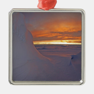 Ornement Carré Argenté Paysage arctique d'hiver de Noël