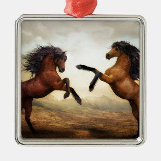 Ornement Carré Argenté Paysage de nature d'art numérique de chevaux