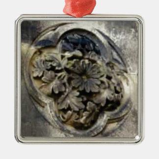 Ornement Carré Argenté pierre florale découpée