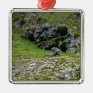 Ornement Carré Argenté pierre verte de merveille