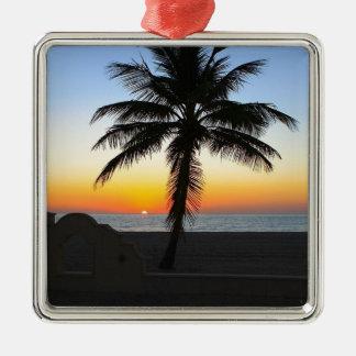 Ornement Carré Argenté Plage de sable de ciel de palmier d'aube d'aube de