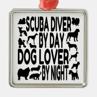 Ornement Carré Argenté Plongeur autonome d'amoureux des chiens