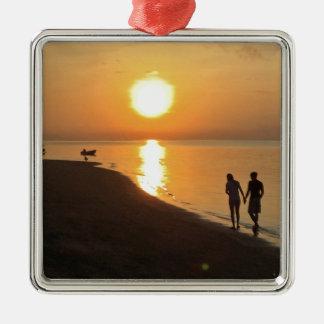 Ornement Carré Argenté Promenade de matin sur la plage
