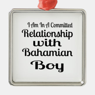 Ornement Carré Argenté Rapport avec le garçon bahamien
