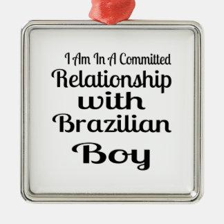 Ornement Carré Argenté Rapport avec le garçon brésilien