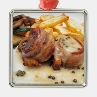 Ornement Carré Argenté Repas de viande