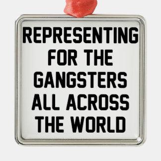 Ornement Carré Argenté Représentation des bandits