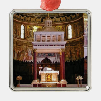 Ornement Carré Argenté saint changez dans l'église