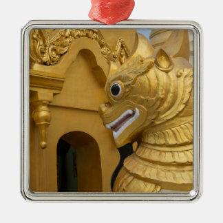 Ornement Carré Argenté Statue d'or de lion au temple