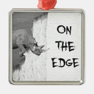 Ornement Carré Argenté Sur The Edge