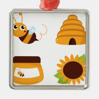 Ornement Carré Argenté T-shirts avec la petites abeille et substance