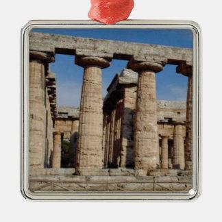 Ornement Carré Argenté tours antiques du monde