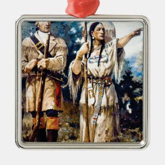 Ornement Carré Argenté trappeur et femme indienne