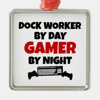 Ornement Carré Argenté Travailleur de dock par le Gamer de jour par nuit