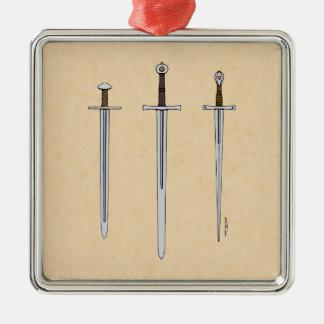 Ornement Carré Argenté Trois épées médiévales 2016