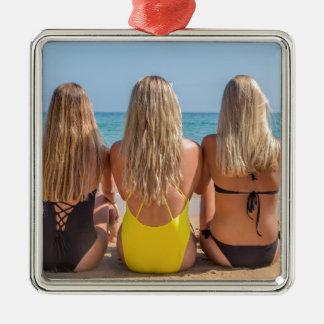 Ornement Carré Argenté Trois filles néerlandaises blondes s'asseyent sur