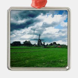 Ornement Carré Argenté Un moulin à vent néerlandais