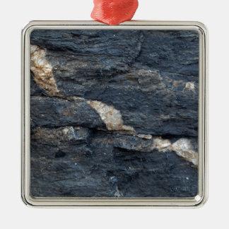 Ornement Carré Argenté Veines de calcite en schistes noirs tectonized