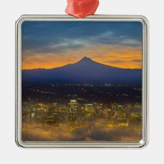 Ornement Carré Argenté Ville brumeuse de Portland du centre à l'aube