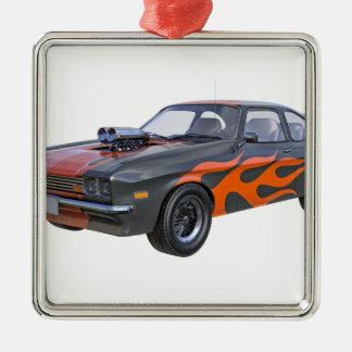 Ornement Carré Argenté voiture de muscle des années 70 dans les flammes