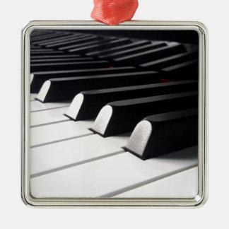Ornement Carré Argenté Vue de piano