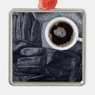 Ornement Carré Argenté Vue supérieure d'une tasse blanche de café et de
