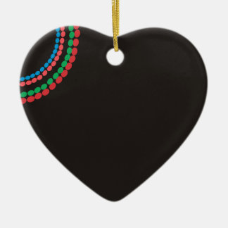 Ornement Cœur En Céramique Arrière - plan de noir de collier de Maasai