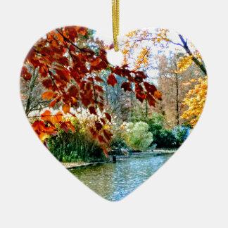 Ornement Cœur En Céramique Automne coloré sur l'eau