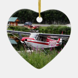 Ornement Cœur En Céramique Avion de flotteur parmi les fleurs, Alaska