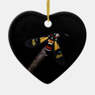 Ornement Cœur En Céramique Belle mite d'arc-en-ciel (foletti d'Euchromia)