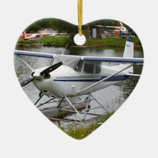 Ornement Cœur En Céramique Blanc, marine et avion gris de flotteur, Alaska