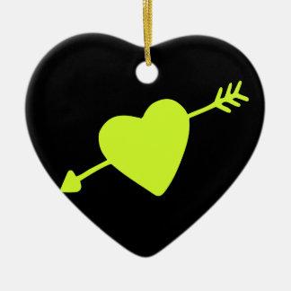 Ornement Cœur En Céramique Coeur d'Arrowed de vert de chaux