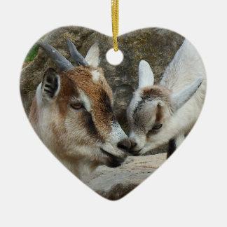 Ornement Cœur En Céramique Coeur de Saint-Valentin de chèvre de mère et de