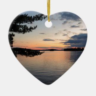 Ornement Cœur En Céramique Coucher du soleil au-dessus de lac Maine