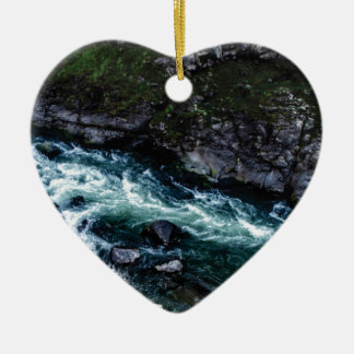 Ornement Cœur En Céramique courant d'eaux vertes