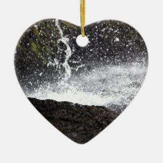 Ornement Cœur En Céramique Détail d'une petite cascade