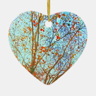 Ornement Cœur En Céramique Feuille orange d'automne et ciel bleu