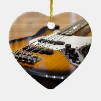 Ornement Cœur En Céramique Ficelles basses basses d'instrument de la guitare