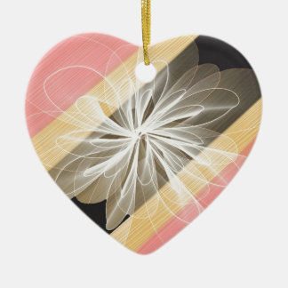 Ornement Cœur En Céramique Fleur de camouflage avec des nuances de jaune et