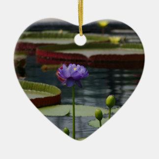 Ornement Cœur En Céramique Fleur pourpre de nénuphar de Lotus