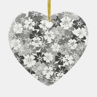 Ornement Cœur En Céramique fleurs camieu gris