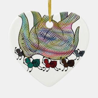 Ornement Cœur En Céramique Fourmi contre l'éléphant