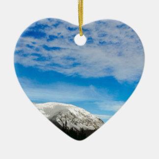 Ornement Cœur En Céramique Grand ciel bleu de montagnes blanches