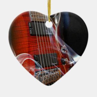 Ornement Cœur En Céramique Guitares de Sept-Ficelle de ficelles de la guitare