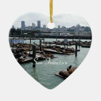 Ornement Cœur En Céramique Horizon de ville d'otaries de San Francisco et de