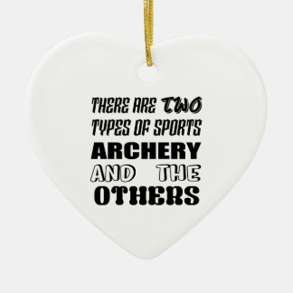 Ornement Cœur En Céramique Il y a deux types de TIR À L'ARC et de d'autres de
